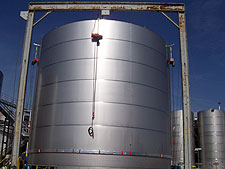 field-build stainless steel wine tank